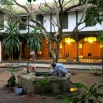 2-the-courtyard-and-its-surrounding-palace-is-well-maintained-and-cared-for